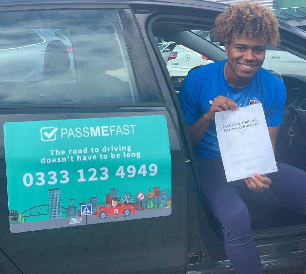 Pass photo of PassMeFast student Ossama - Greater London