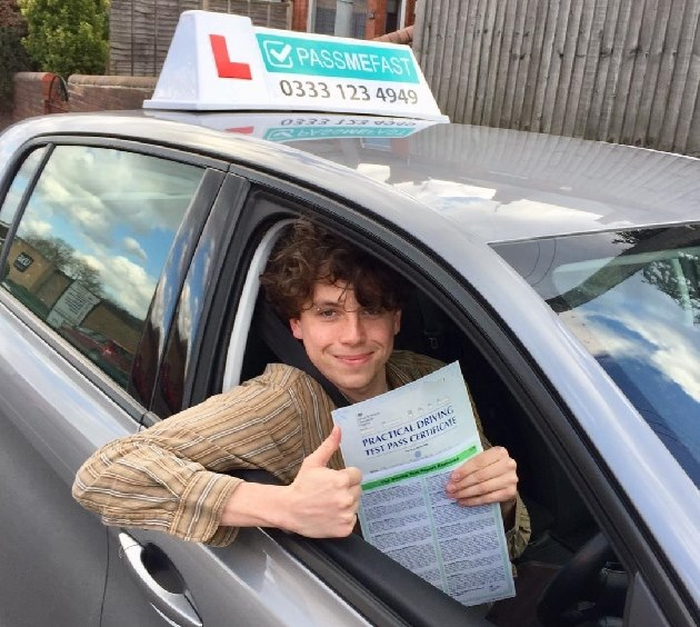 Pass photo of PassMeFast student Thomas - Greater London