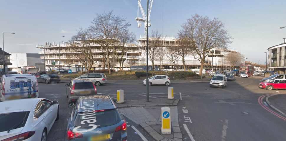 Croydon Google Streetview Image Lombard Roundabout