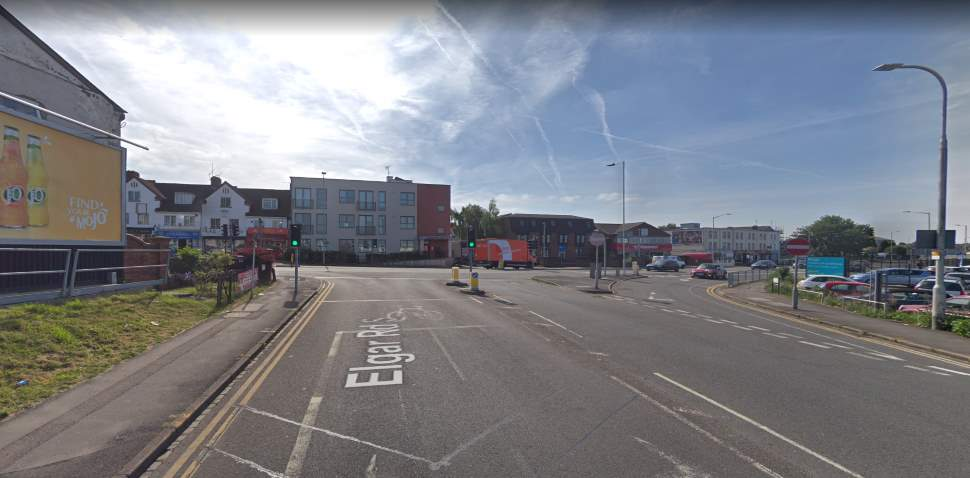Reading Google Streetview Image Elgar Road S Junction